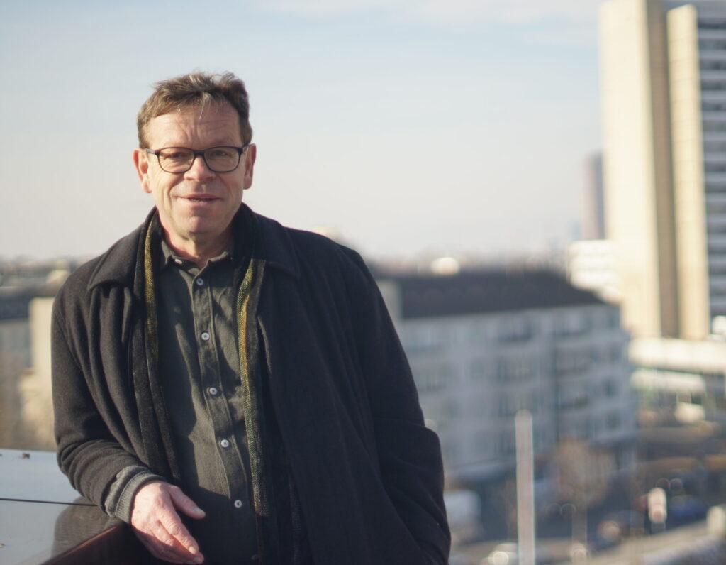portrait vom autor und historiker martin widmer
